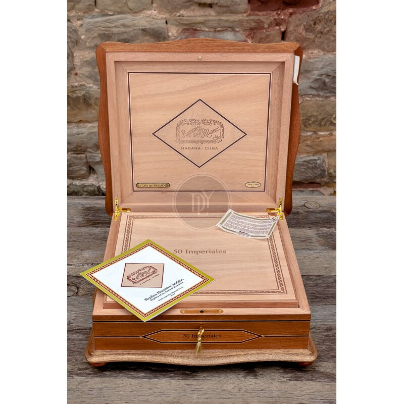 RamÑn Allones Humidor Replica Antigua
